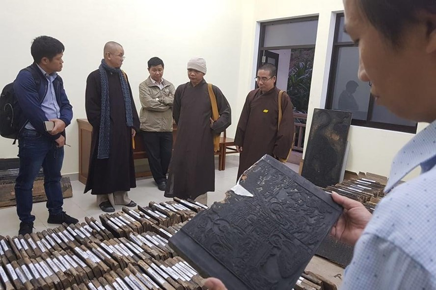Hơn 800 tấm mộc bản được nhóm nghiên cứu đưa về Học viện Phật giáo Việt Nam tại Huế